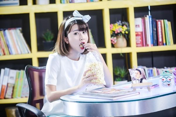 Nhân vật Tường Vy của Quỳnh Anh Shyn tuy hơi ngố nhưng có phần láu cá và trưởng thành hơn. Diễn xuất của cô nàng được nhận xét dần thoát khỏi hình ảnh nhân vật Nana từng được Chi Pu thể hiện rất thành công trước đó.