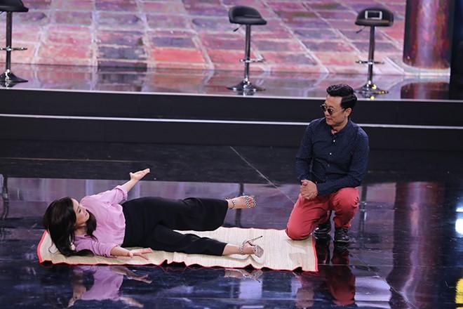 Van Son doi ''ve van'' Hong Dao truoc mat Quang Minh hinh anh 3