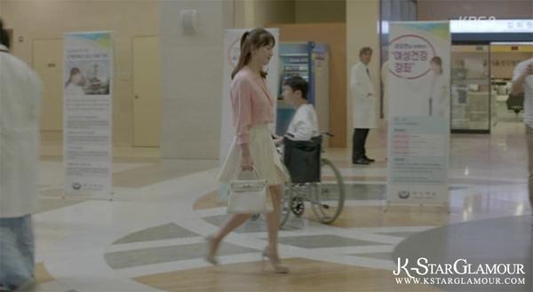 Sao Hàn diện áo sơmi trong phim